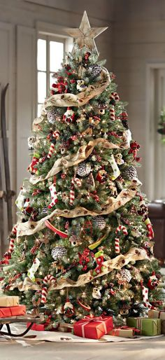 Inspiring Rustic Christmas Tree Decoration Ideas For Cheerful Day 01
