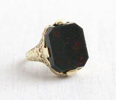 Vintage Art Deco 10k Yellow Gold Bloodstone Ring - 1920s Size 5 1/2 Flower Filigree Repoussé Green & Red Semi Precious Stone Fine Jewelry