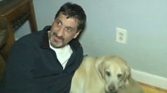 Los pasajeros de un vuelo protestan por la expulsión de un hombre ciego y de su perro
