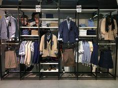 Boutique Interior, 80s Fashion Men, Clothing Store Design, Clothing Displays, Tie Knots, Venom, Visual Merchandising, Retail, Clothes