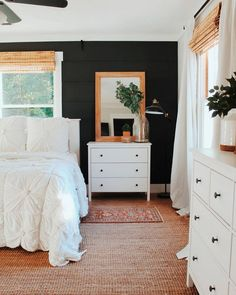 awesome minimalist bedroom design ideas 27 ~ Home Design Ideas Dark Accent Walls, Dark Walls, Dark Bedroom Walls, Bedroom Wall Mirrors, Bedroom Wall Lights, Light Walls, Bedroom Wallpaper, Bedroom Lighting, White Walls