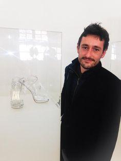 """""""Un par de zapatos pueden cambiar tu vida, si no pregúntale a Cenicienta"""" -Anónimo-  http://www.abc.es/estilo/moda/20150228/abci-zapatos-cenicienta-201502271350.html"""