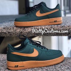 Double tap if you'd cop! Sneakers Mode, Custom Sneakers, Casual Sneakers, Nike Custom Shoes, Nike Fashion, Sneakers Fashion, Nike Mode, Nike Shoes Air Force, Black Nike Shoes