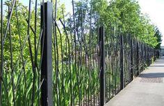 #Inspiratie #Tuinafscheiding #Mazzelshop Metal Garden Gates, Garden Fencing, Garden Landscaping, Diy Fence, Fence Gate, Lawn And Landscape, Landscape Design, Fence Design, Garden Design
