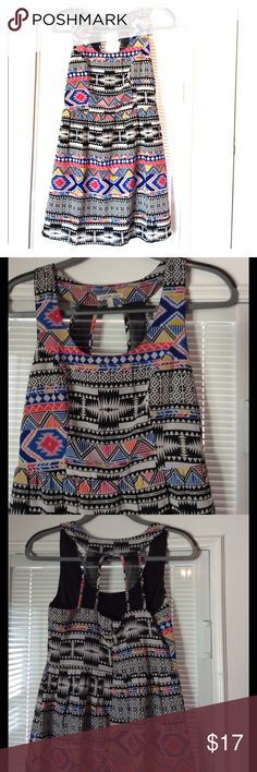 🆕 Listing! GREAT DRESS💞 Colorful sleeveless dress with pretty back detail. EUC! Charlotte Russe Dresses Mini