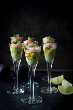 Avocado cream with chilli, parsley & garlic marinated prawns - Made by Mary Food Design, Good Food, Yummy Food, Healthy Food, Snacks, Appetisers, Food Presentation, Finger Foods, Food Inspiration