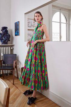 Vogue Fashion, Fashion Week, Runway Fashion, Boho Fashion, Fashion Dresses, Womens Fashion, Fashion Design, Fashion Trends, Estilo Fashion