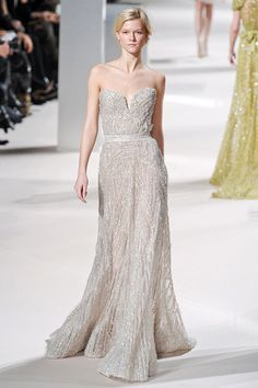 A sexy but yet elegant evening gown - Elie Saab Couture