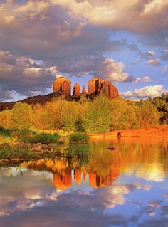 ✮ Cathedral Rock reflected in Oak Creek at Red Rock Crossing, Red Rock State Park near Sedona, Arizona