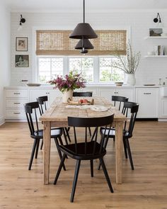 Modern Farmhouse Dining Room Table 20 Modern Farmhouse Dining Rooms that Will Transport You to Sweet Home, Dining Room Inspiration, Dinning Room Ideas, Dining Room Design, Dining Room In Kitchen, Kitchen Design, Living Dining Rooms, Apartment Dining Rooms, Cabinets In Dining Room