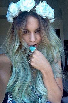 pastell blaue haare für den urlaub im sommer haare