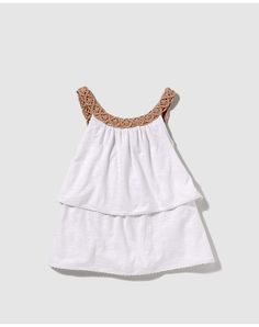 Girl's shirt - Do it Yourself Clothes Little Girl Outfits, Kids Outfits, Pretty Little Girls, Wardrobes, Shirts For Girls, Kids And Parenting, Diy Clothes, Look, Girly