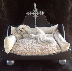 "Luxurious Designer and Artist Inspired Custom Hand Made Modern Pet Bed named ""Champagne Dreams"" Unique Dog Beds, Cool Dog Beds, Yorky, Diy Dog Bed, Dog Furniture, Pet Beds, Doggie Beds, Diy Stuffed Animals, Dog Houses"