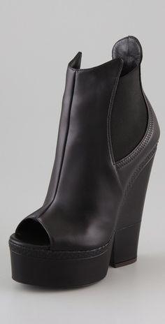 Giuseppe Zanotti    Open Toe Cutout Wedge Booties  Style #:GIUSZ40033