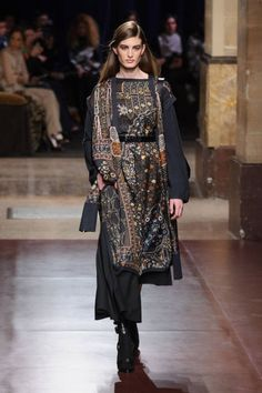 Hermès Fall out the final day of Paris Fashion Week, Hermès' Christophe Lemaire presented a fall-winter 2014 collection with a menswear-inspired… London Fashion Weeks, Paris Fashion Week, Runway Fashion, High Fashion, Fashion Show, Fashion Trends, Fashion Guide, Fashion Images, Hermes
