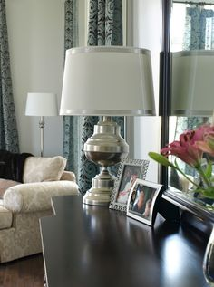 Brass lamp makeover after ~ http://lessthanperfectlifeofbliss.blogspot.com/2012/01/brassy-to-classy-goodwill-story.html