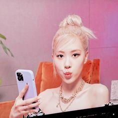 Rose Park, Aesthetic Pictures, Kpop Girls, Korean Girl, Cute, Lisa, Aesthetic Images, Kawaii