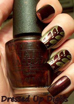 I made a simple striping tape nail design and kept the colors somehow neutral with a little bit of shine. Great Nails, Fabulous Nails, Love Nails, Fun Nails, Nailart, Nail Pops, Nail Art Images, Seasonal Nails, Nail Polish Art