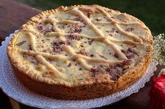 Crostata con ricotta e amaretti è un dolce adatto per tutte le occasioni