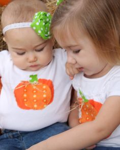 Pumpkin shirts made of three fabric circles with coordinating bow