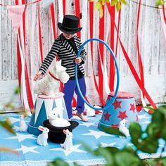 Des pots de fleurs transformés en tabourets de cirque // flower pots, stools, circus, kids, birthday