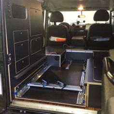 KAUA'I Camper - Sonderausbau Fahrradauszug - KAUAI Camper Volvo Vans have their head offices with Auto Camping, Truck Camping, Van Camping, Camping Hacks, Camping Ideas, Landrover Camper, Defender Camper, Land Rover Defender 110, Offroad Camper