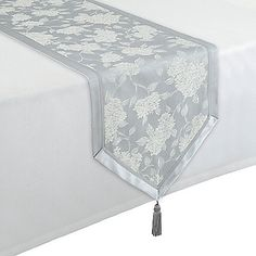 This beautiful Hydrangea Table Runner from Waterford Linens features gracefully tossed hydrangea blossoms woven with floral textural detail. The bordered tablecloth is finished with grosgrain ribbon for a classically elegant look. Burlap Table Runners, Deco Table, Table Covers, Bedding Shop, Bath Towels, Tablescapes, Kitchen Decor, House Design, Treadmills