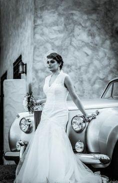 wedding photo. Bride Portrait. Photo by JonReindlPhoto.com