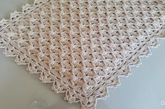 Crochet | Crochet & Knit by Beja - Free Patterns, Videos + How To Filet Crochet, Crochet Motif, Crochet Doilies, Crochet Stitches, Yarn Ball, Crochet Tablecloth, Crochet Videos, Crochet Home, Crochet Edgings