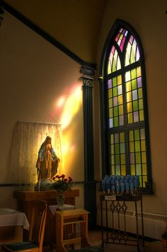 Blessed Virgin Mary at Saint Vincent DePaul Catholic Church, Niagara-on-the-Lake, Ontario, Canada