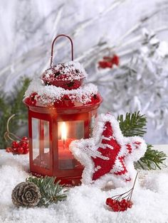 Merry Christmas Gif, Christmas Scenery, Christmas Lanterns, Cozy Christmas, Christmas Design, Christmas Wishes, Christmas Pictures, Christmas Themes, Christmas Decorations