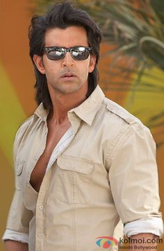 Check out pictures of Hrithik Roshan. Actor Picture, Actor Photo, Hrithik Roshan Hairstyle, Allu Arjun Images, Barbara Stanwyck, Humphrey Bogart, Model Face, Boy Poses, Most Handsome Men