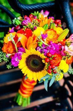 Ramos de Novia para Boda Mexicana 9 Bridal Bouquets for Mexican Wedding 9 Prom Flowers, Beautiful Flowers, Bright Wedding Flowers, Beautiful Pictures, Mexican Themed Weddings, Mexican Wedding Traditions, Backyard Wedding Dresses, Our Wedding, Dream Wedding