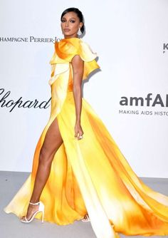 Jasmine Tookes – amfAR Cannes Gala 2019 at Hotel du Cap-Eden-Roc in Cap d'Antibes Jasmine Tookes, Coron, Cannes, Daily Fashion, Fashion News, Cap D Antibes, Chic Outfits, Fashion Outfits, Strapless Midi Dress