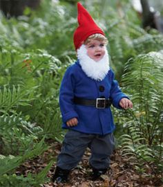 Little gnome. Super cute!  <3