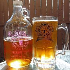 """""""Re-fuled"""" - Pizza Port Brewing (Carlsbad) """"Stratosphere I.P.A."""" (6.8% abv) an American style I.P.A. brewed with Nelson Pacific Jade Citra & Simcoe hops... Filled in a ol' school clear growler when there was only Carlsbad & Solana Beach around & poured in this years 2015 Oktoberfest Fest 32oz. stein glassware for Thursday Night Football... @pizzaportbrewingco #pizzaportbrewingco #pizzaportcarlsbad #pizzaport #northcountybeer #purplevet #craftbeer #craftbrew #craftbeerporn #craftbeerlife…"""