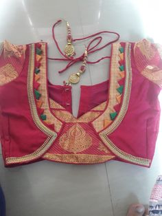 Patch Work Blouse Designs, Maggam Work Designs, Simple Blouse Designs, Saree Blouse Neck Designs, Stylish Blouse Design, Kurti Neck Designs, Chudidhar Neck Designs, Choli Designs, Designer Blouse Patterns