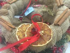 Χριστουγεννιάτικο Στεφάνι με Πορτοκάλια και Κανέλες - Christmas Wreath with Orange and Cinnamon