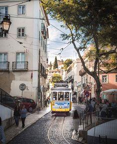 37 wunderschöne Ausflugstipps in der Schweiz London Summer, Image Categories, Dubai, England, Street View, Explore, Country, City, Travel