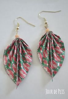 Boucle d'oreille origami feuille