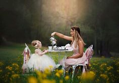 Trendy birthday photoshoot ideas for girls photo sessions tea parties ideas - Birthday Party Ideas! Tea Party Pictures, Party Photos, Mommy And Me Photo Shoot, Girl Photo Shoots, Little Girl Photos, Baby Girl Photos, Tea Party Photography, Mother Daughter Pictures, Mother Daughters