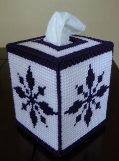 Tissue cover snowflake. Visitame tambien en: www.facebook.com/ManualidadesKarelia