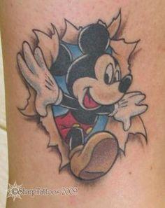 Mickey tattoo :) love the look Wolf Tattoos, Finger Tattoos, Black Ink Tattoos, Mini Tattoos, Cute Tattoos, Body Art Tattoos, Sleeve Tattoos, Tatoos, Mickey Tattoo
