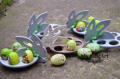 wooden eggs with wooden egg holdres
