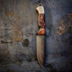 VORN DÝR    Desert Ironwood Burl / Caribou Antler    #customknives #knivesdaily #knifeporn #knifenut #handmade #madeinamerica #hunting #huntingknife #camping #campknife #tacticalknife #tacticalblade #bushcraft #bushcraftknife #caribou #ironwood