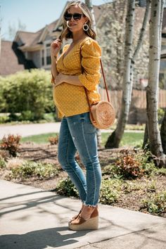 The Color Of The Summer: Golden Yellow - my kind of sweet Bump Style, Casual Chic Style, Casual Outfits, Fashion Outfits, Women's Fashion, Color Fashion, Female Fashion, Pregnancy Outfits, Pregnancy Photos