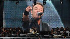"""VIDEO. Bruce Springsteen est aussi le """"Boss"""" au Stade de France"""