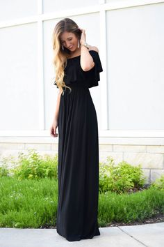 I love the versatility of this maxi dress from Simply Shine Boutique for the summer!