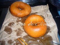 DONAS ESPONJOSAS CON AZUCAR - La Cocina de Norma Oreo Cupcakes, Bagel, Doughnut, Mexican Food Recipes, Sweets, Bread, Desserts, Blog, Tv