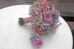 Winter-Brautstrauß in Frostfarben und Pastelltönen - Winter bridal bouquet in frozen pastel colours
